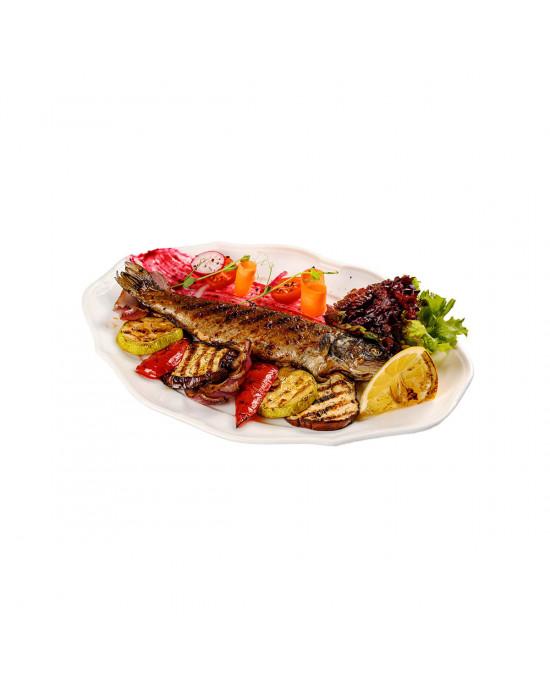 Форель на гриле с овощами
