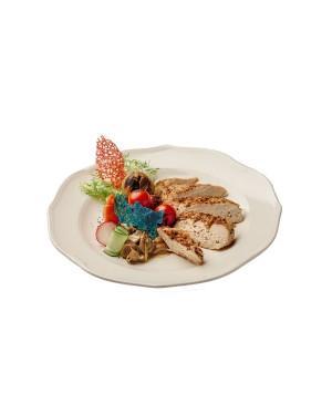 Филе кукурузного цыпленка с белыми грибами и овощами